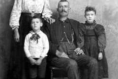 1890-00-00-ArnoldGT1861-Family