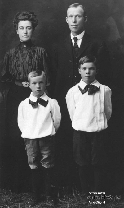 Joseph William Harwood with wife Lillian Francis Arnold with sons Ralph and Willard, circa 1907.