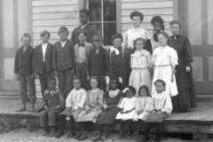 1906-00-00-PlatteSchoolClass-BalitzErnestF-ArnoldLM1897-BalitzTM1896-crop