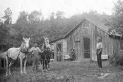 1909-08-31-Farm-Scene-ArnoldGT1861-ArnoldCX1888