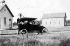 1913-06-01-ArnoldDS1890-First-Car