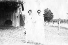 1915-00-00-ArnoldLM1897-ArnoldLF1875