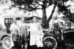 1925-00-00-Arnold-Kucks-Family-Scene