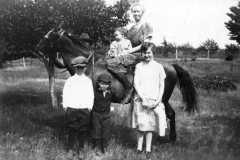 1926-01-01-circa-ArnoldDW1849-Tracie-Alvin-Allen-Alton