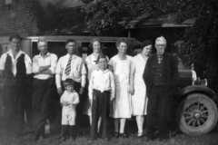 1928-00-00-Balitz-Arnold-Family-with-Della
