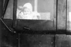 1930-00-00-ArnoldLD1929-In-Car