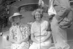1940-00-00-BalitzTM1896-Fishing-Outing