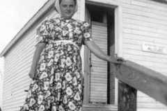 1941-00-00-BurringtonCM1919-Empire-Beach-bath-house