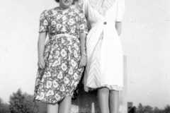 1941-09-01-BurringtonCM1919-friend
