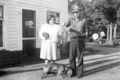 1945-09-03-KahleyLL1912-MooreRE1910-fish