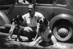 1946-00-00-ArnoldAF1921-dogs