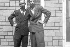 1946-04-29-ArnoldAE1917-ArnoldLD1929