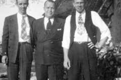 1946-04-29-ArnoldAE1917-HarwoodRA1901-ArnoldAF1921