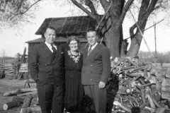 1946-04-29-HarwoodRA1901-ArnoldDM1883-HarwoodWG1902