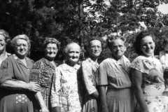 1947-00-00-Arnold-Cousins-Reunion-07