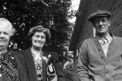 1947-00-00-Arnold-Cousins-Reunion-10