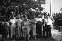 1947-00-00-Arnold-Cousins-Reunion-13