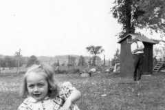 1949-00-00-ArnoldCL1947-sitting-grass