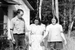 1949-06-01-MooreRE1910-MooreDJ1931-KahleyLL1912-dog-Penny