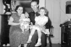 1952-11-01-ArnoldAE1917-BurringtonCharlotte-ArnoldCL1947-ArnoldRA19511