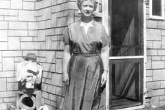 1955-05-30-JohnsonDoris-house