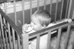 1956-09-01-ArnoldDE1956-crib-standing