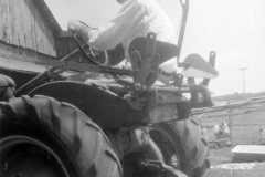 1959-07-01-Tractor-ArnoldAF1921