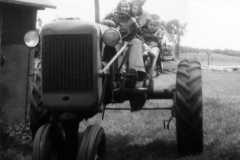1959-07-01-Tractor-ArnoldJY1953-ArnoldLD1929-ArnoldDE1956