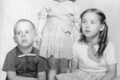 1960-00-00-ArnoldKidsx3p-ArnoldJY1953-ArnoldDE1956-ArnoldGJ1958-01