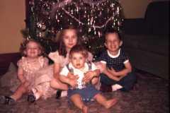 1960-12-25-Christmas-ArnoldGJ1958-ArnoldJY1953-ArnoldMJ1959-ArnoldDE1956-02
