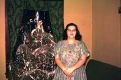 1960-12-25-Christmas-Tree-MooreDJ1931