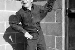 1963-11-01-ArnoldRA1951