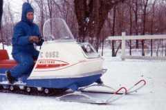 1968-12-30-Snowmobiles-ActipesEJ1941