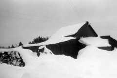 Snow at the Arnold homestead, Jan-Feb 1969.
